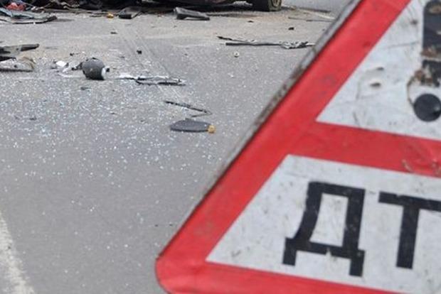 В Тернопольской области в ДТП погибли два человека, восемь получили травмы