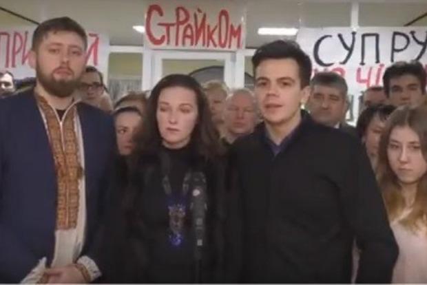 Студенти і викладачі медуніверситету ім. Богомольця припинили страйк