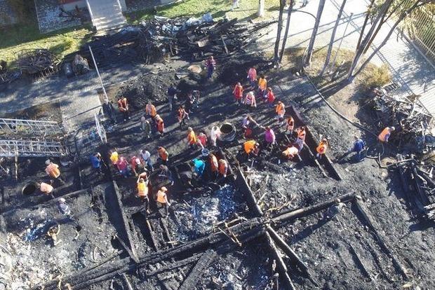 В лагере Виктория, где год назад сгорели дети, эксперты нашли кости