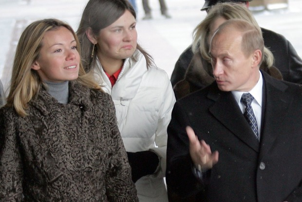 Донька і зять Путіна загинули в ДТП. Правда чи фейк?
