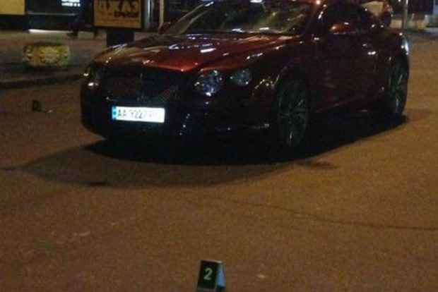 Сын Шуфрича в центре Киева на Bentley сбил мужчину