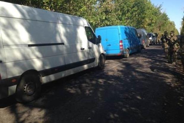 СБУ задержала три автомобиля, которые везли продукты на оккупированные территории