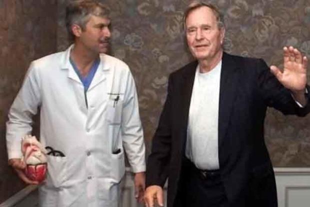 Врача Джорджа Буша-старшего застрелили во время прогулки
