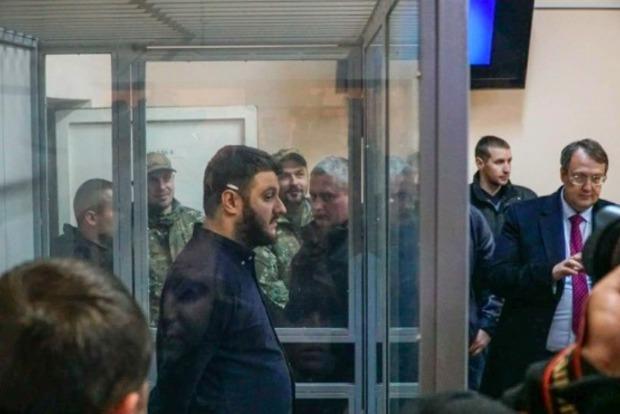 Сына руководителя МВД Украины отпустили «довостребования»
