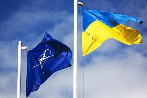 Порошенко назвал следующий шаг на пути вступления Украины в НАТО