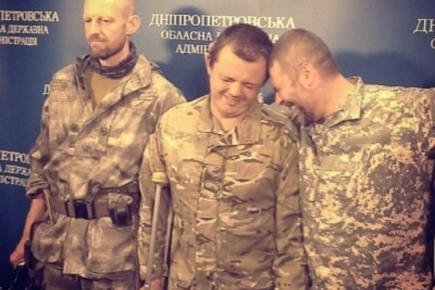 Столовка Ради - нещадна. У Мережі порівняли фото Семенченка до і під час депутатства