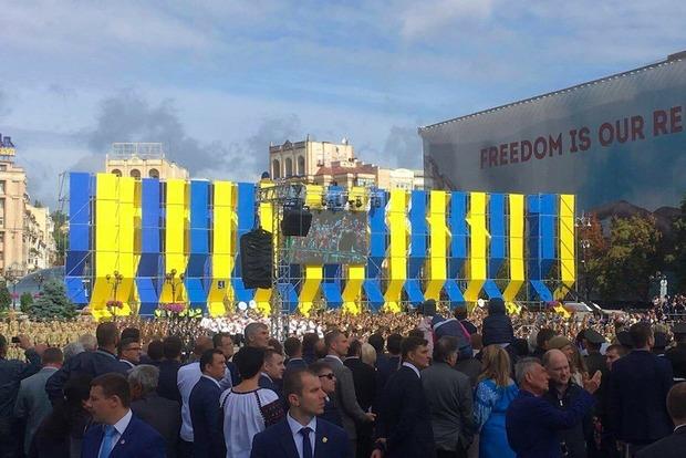 На Крещатике начался военный парад по случаю независимости Украины