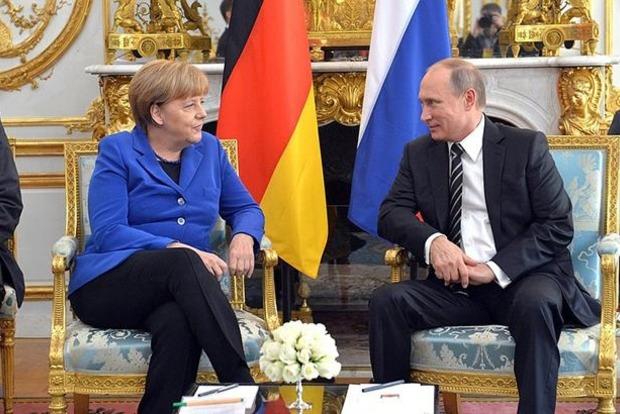 Меркель по телефону розповіла Путіну про миротворців на Донбасі