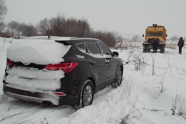Движение грузовиков на трассе М-14 «Одесса - Мелитополь» перекрыто из-за снегопада