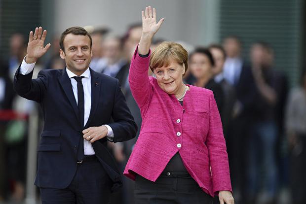 Стало известно зачем Макрон и Меркель едут в Россию
