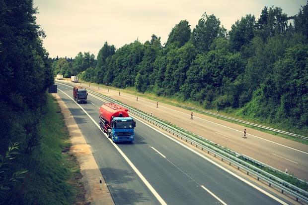 Кабмин разрешил в жару осуществлять перевозку скоропортящихся грузов