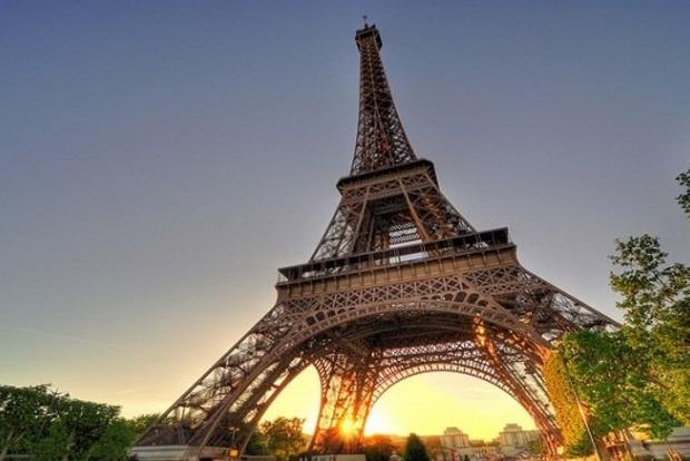 Эйфелева башня закрыта для туристов из-за забастовки персонала