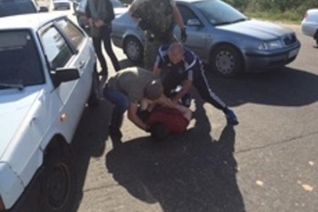 В Луганской области правоохранители за взятку задержали «оборотней в погонах»