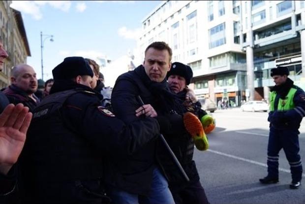 Оппозиционера Навального в РФ оштрафовали на 20 тысяч рублей за организацию протестов