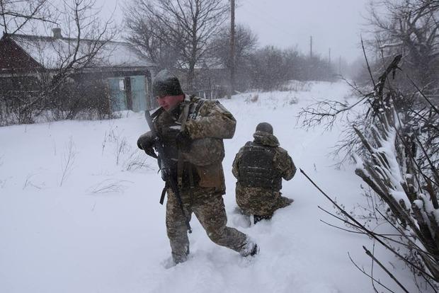 Доба в ООС: один військовий поранений, троє окупантів знищені
