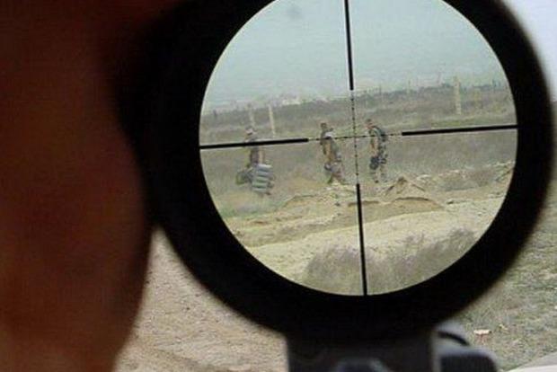 В Днепре спасают бойца АТО, раненого вражеским снайпером