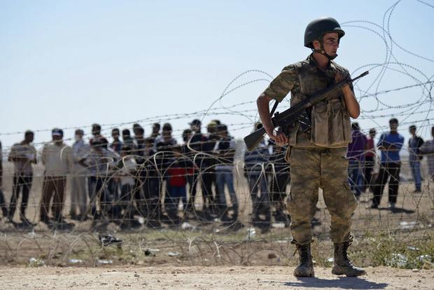 Грузин в чемодане пытался провести девушку через турецкую границу