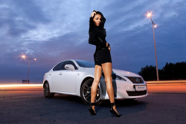В Москве с подземной парковки угнали  Lexus почти за 7 млн рублей