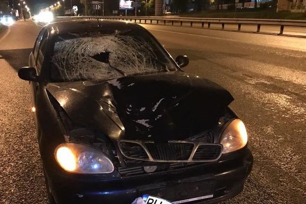 В Киеве машина насмерть сбила женщину, перебегающую дорогу