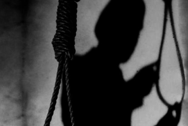 Поссорилась с мужем: в Одесской области покончила с собой мать четверых детей