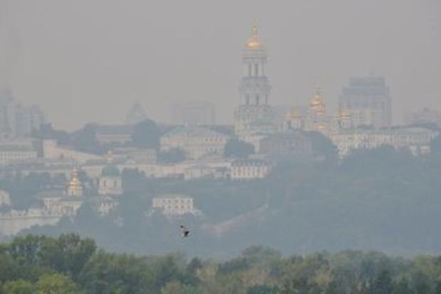 Вывозите детей: Жара сделала воздух в Киеве ядовитым