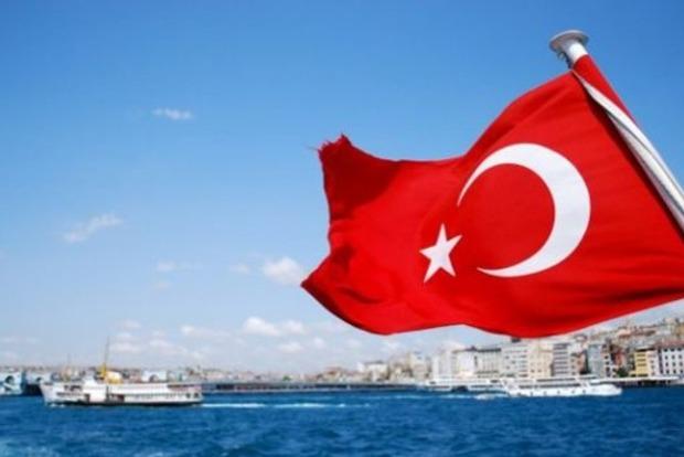 Украинцы смогут ездить в Турцию с ID-картой без загранпаспорта