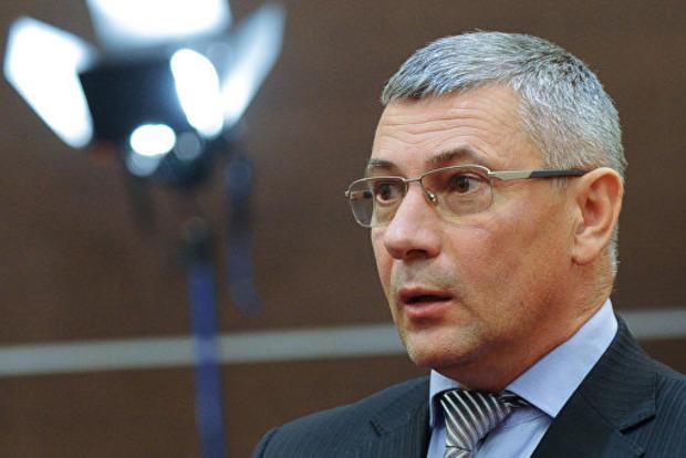 Спілкується з екс-президентом і не працює: суд у справі Януковича почав допит генерала Шуляка