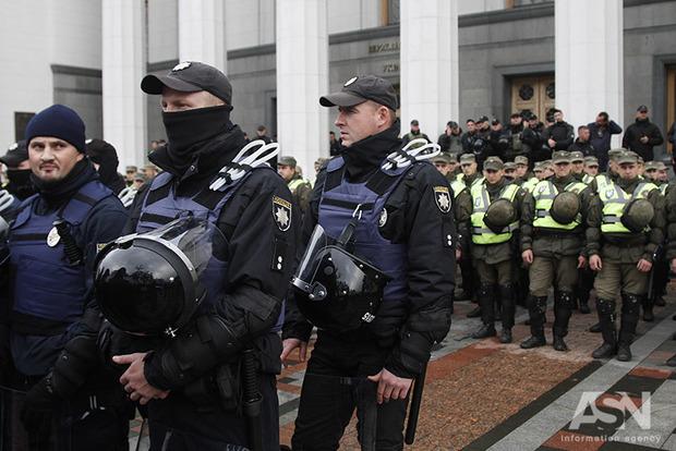 Мужчина, напавший наполицейского уРады, живет вМежигорье— МВД