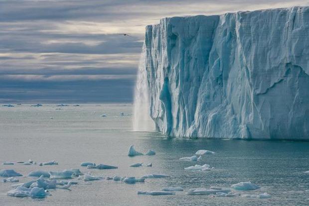 Жутковатое «пение» антарктических ледников записали на пленку