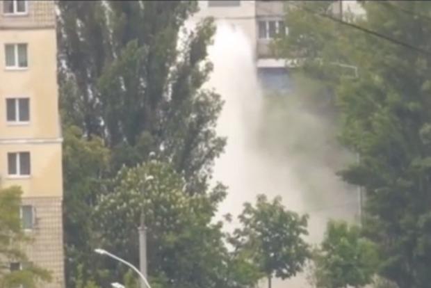 В Киеве забил гейзер из кипятка