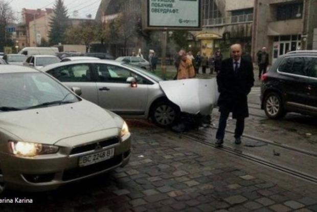 Бывший мэр Львова попал в серьезное ДТП