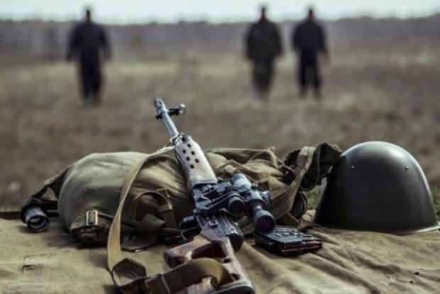 Штаб АТО: НаДонбассе засутки боевики 22 раза нарушили перемирие