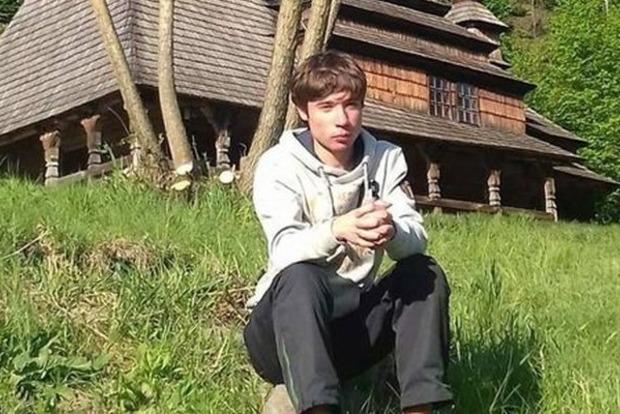 В РФ суд продлил арест похищенному ФСБшниками в Беларуси 19-летнему украинцу