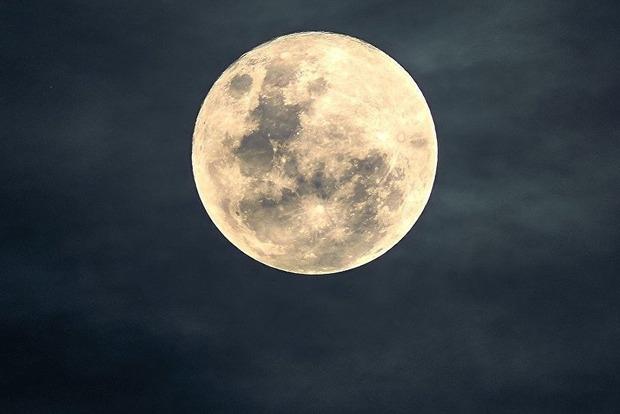 На какие знаки Зодиака больше всего повлияет лунное затмение 27 июля