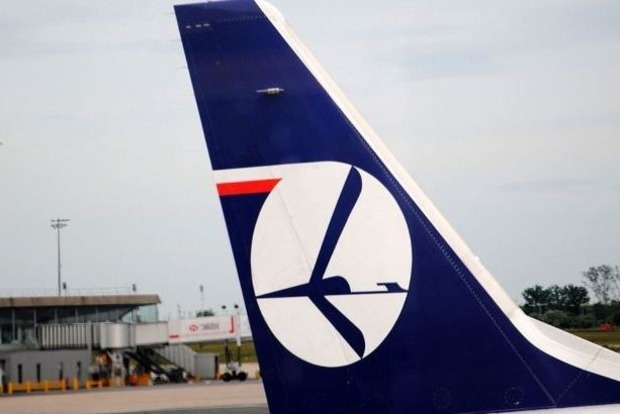 Авиакомпания LOT возобновляет полеты из Киева в Варшаву с июля