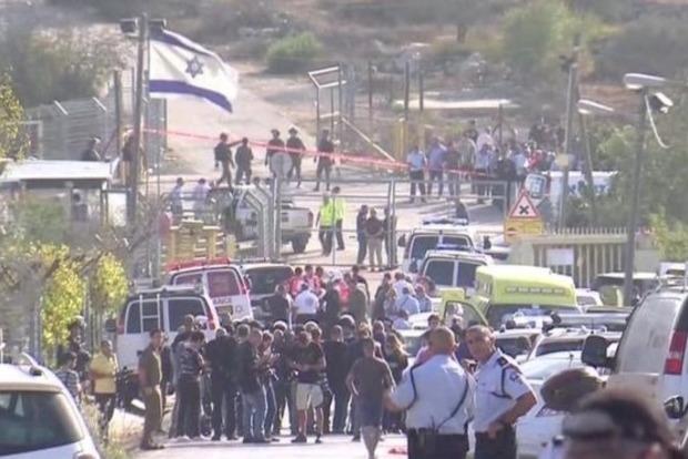 Возле Иерусалима палестинский боевик убил трех израильтян