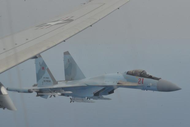 Российские истребители перехватили американский борт над Средиземным морем