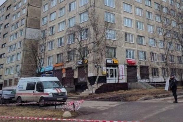 В многоэтажке Петербурга нашли бомбу и задержали азиатов