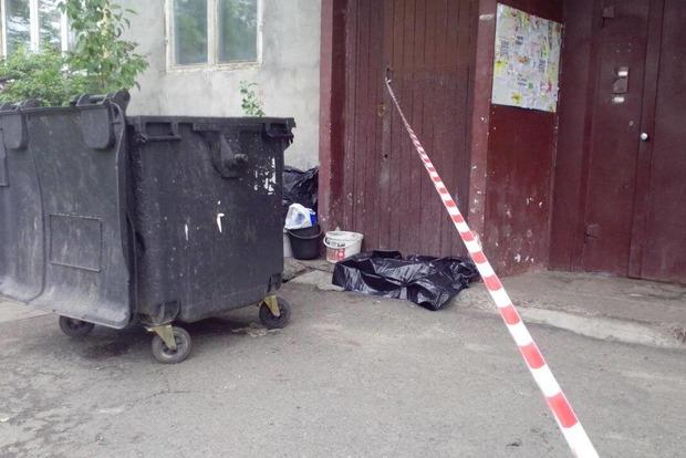 В Николаеве мать выбросила новорожденного ребенка в мусоропровод