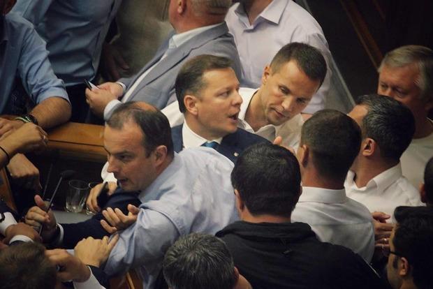 «Очень стыдно»: Ляшко поведал о«коррупционном договорняке» вРаде