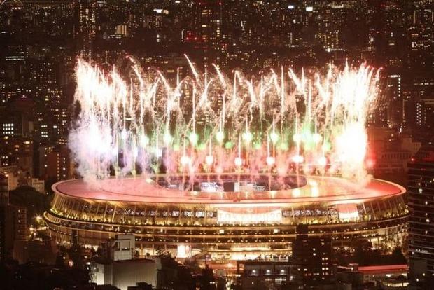 В Токио открылись Паралимпийские игры - без зрителей, но фейерверком на весь город