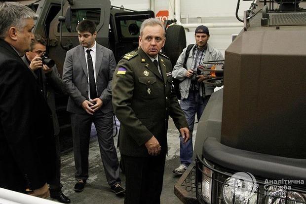 Муженко рассказал, какое оружие Украина просит у США