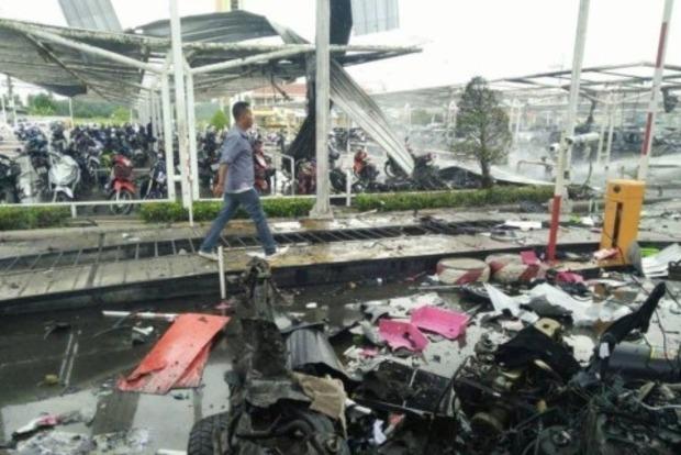 В торговом центре Таиланда прогремели два взрыва, есть жертвы