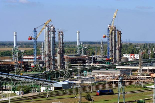 Одесский припортовый завод останавливает работу из-за долгов