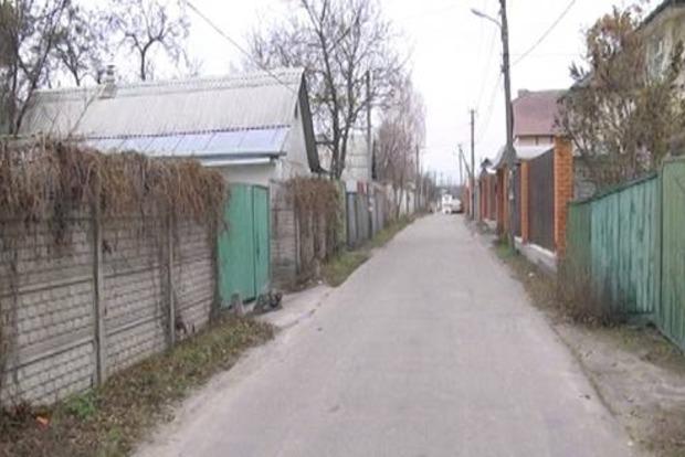 Под Киевом мужчина напал на полицейских с ножом