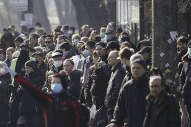 В Киева транспортный коллапс. Очереди, заблокированные переезды, невозможность выехать.