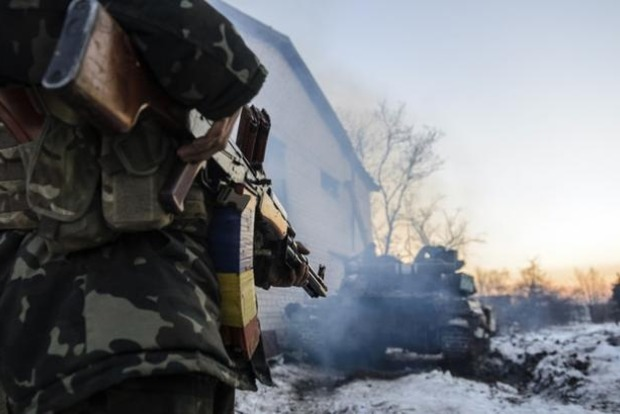 На Донбассе боевики 51 раз нарушили режим тишины, двое бойцов ранены