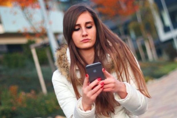 В Италии суд признал мобильный телефон причиной опухоли