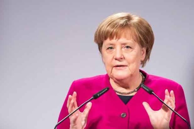 Меркель: Украина останется транзитером российского газа