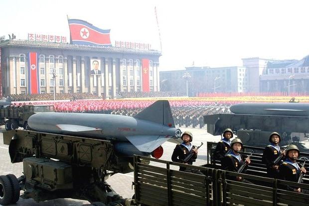 В КНДР сообщили, что полеты истребителей США толкают к ядерной войне